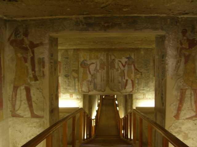Долина Царей в Египте: вход в гробницу
