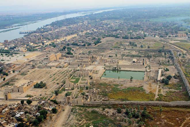 Луксор. Египет. Фото Карнакского храма с воздуха