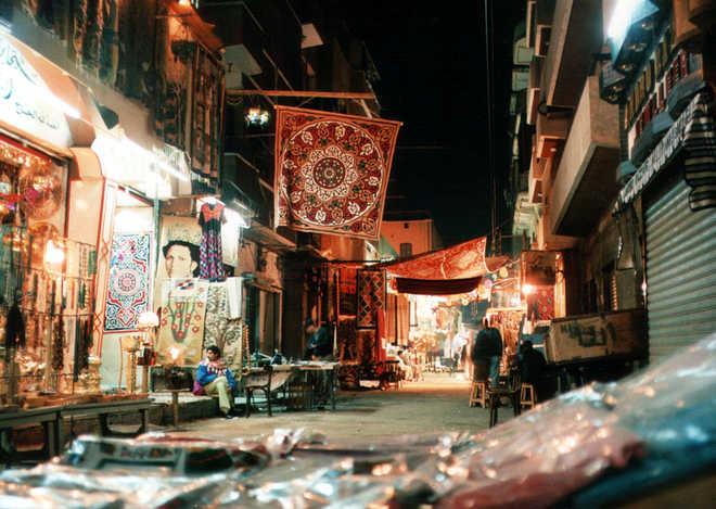 Луксор в Египте: фото базара 1995г