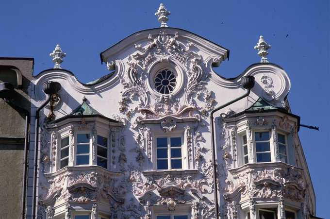 Пример рококо в архитектуре