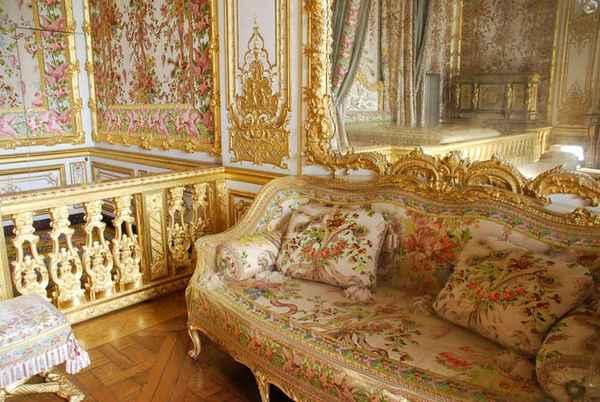 рококо в архитектуре. спальня королевы