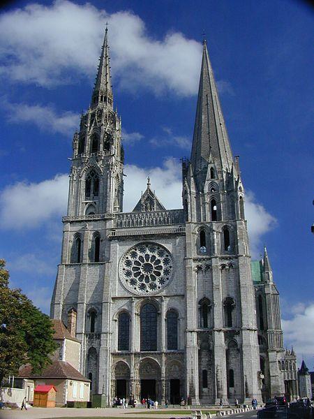готические соборы средневековья: Шатрский собор, Франция
