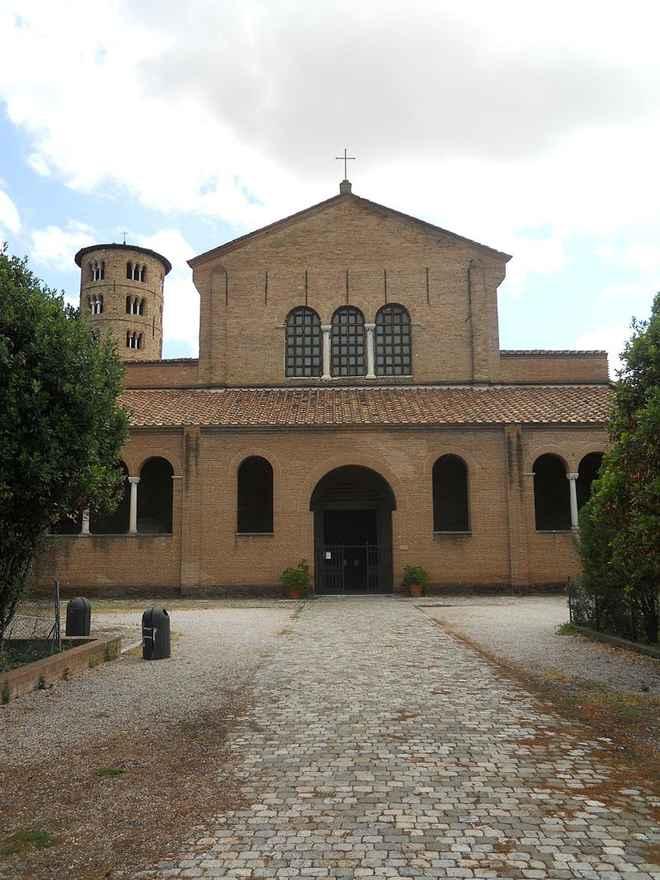 Архитектура Византии: базилика Сан-Апполинаро, Равена, Италия